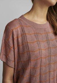 Nümph - NUDARLENE DARLENE - Print T-shirt - ash rose - 2