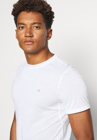 Calvin Klein Golf - 3 PACK - T-shirt basic - black/white/charcoal - 6