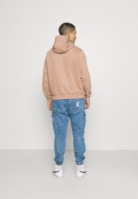 Nike Sportswear - RETRO HOODIE - Sweatshirt - desert dust - 2
