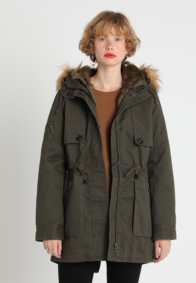 HOODED JACKET - Parka - forest green