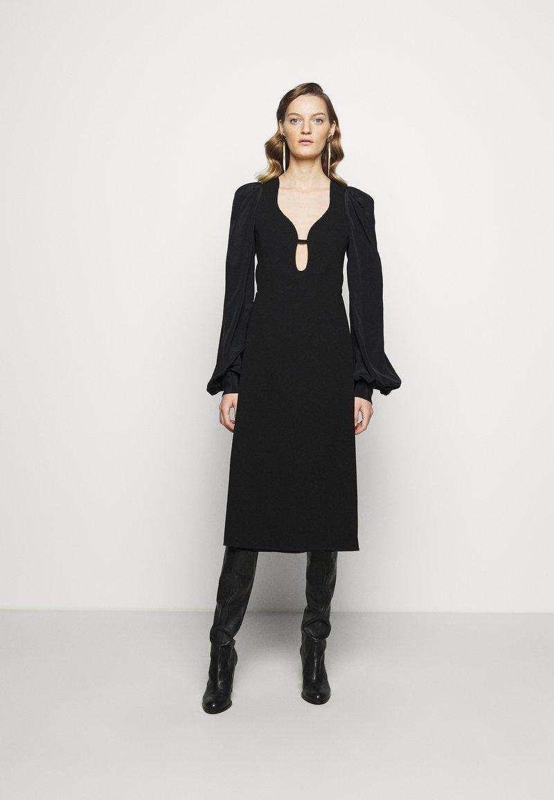 Victoria Beckham - LONG SLEEVE KEYHOLE MIDI - Koktejlové šaty/ šaty na párty - black