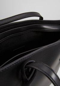 Seidenfelt - LYNGDAL - Käsilaukku - black - 5