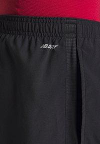 New Balance - ACCELERATE - Sports shorts - black - 3