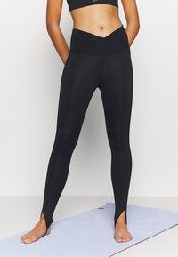 Nike Performance - YOGA CORE CUTOUT 7/8 - Leggings - black/dark smoke grey - 0