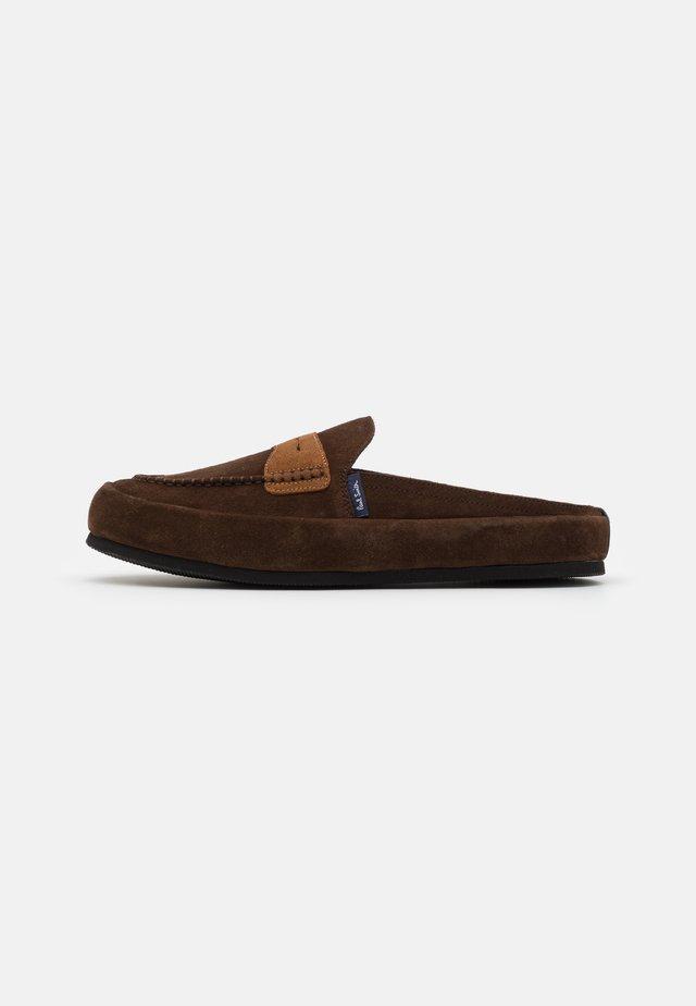 NEMEAN - Slippers - dark brown