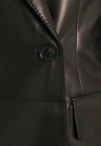 Bally - Klasický kabát - black - 2