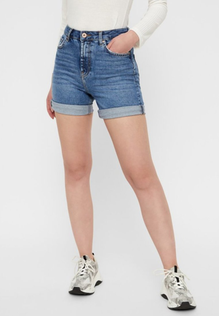 Pieces - Short en jean - medium blue denim