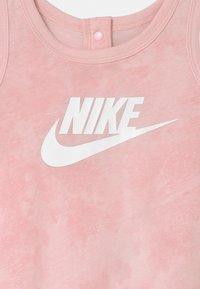 Nike Sportswear - WILD RUN - Jumpsuit - pink foam - 2