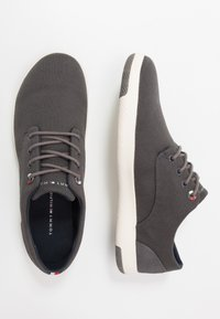 Tommy Hilfiger - LIGHTWEIGHT LACE UP SHOE - Trainers - grey - 1