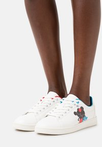 Even&Odd - DISNEY - Sneakers basse - white - 0
