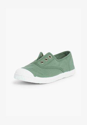 Baskets basses - verde helecho