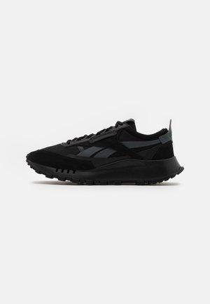 CL LEGACY UNISEX - Zapatillas - black