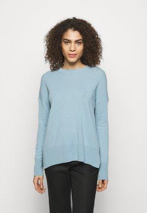 KARENIA - Trui - eggshell blue