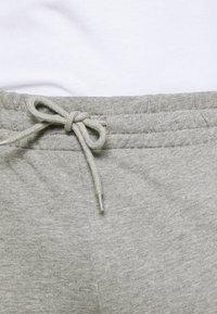 Jack & Jones - JORSCRIPTT PANTS  - Träningsbyxor - light grey melange - 5