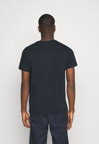 Tommy Jeans - LAYERED GRAPHIC TEE  - Print T-shirt - twilight navy - 2