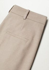 Mango - PLEATED - Trousers - beige - 5