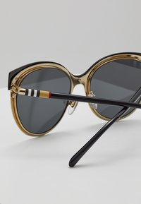 Burberry - Sunglasses - black - 2
