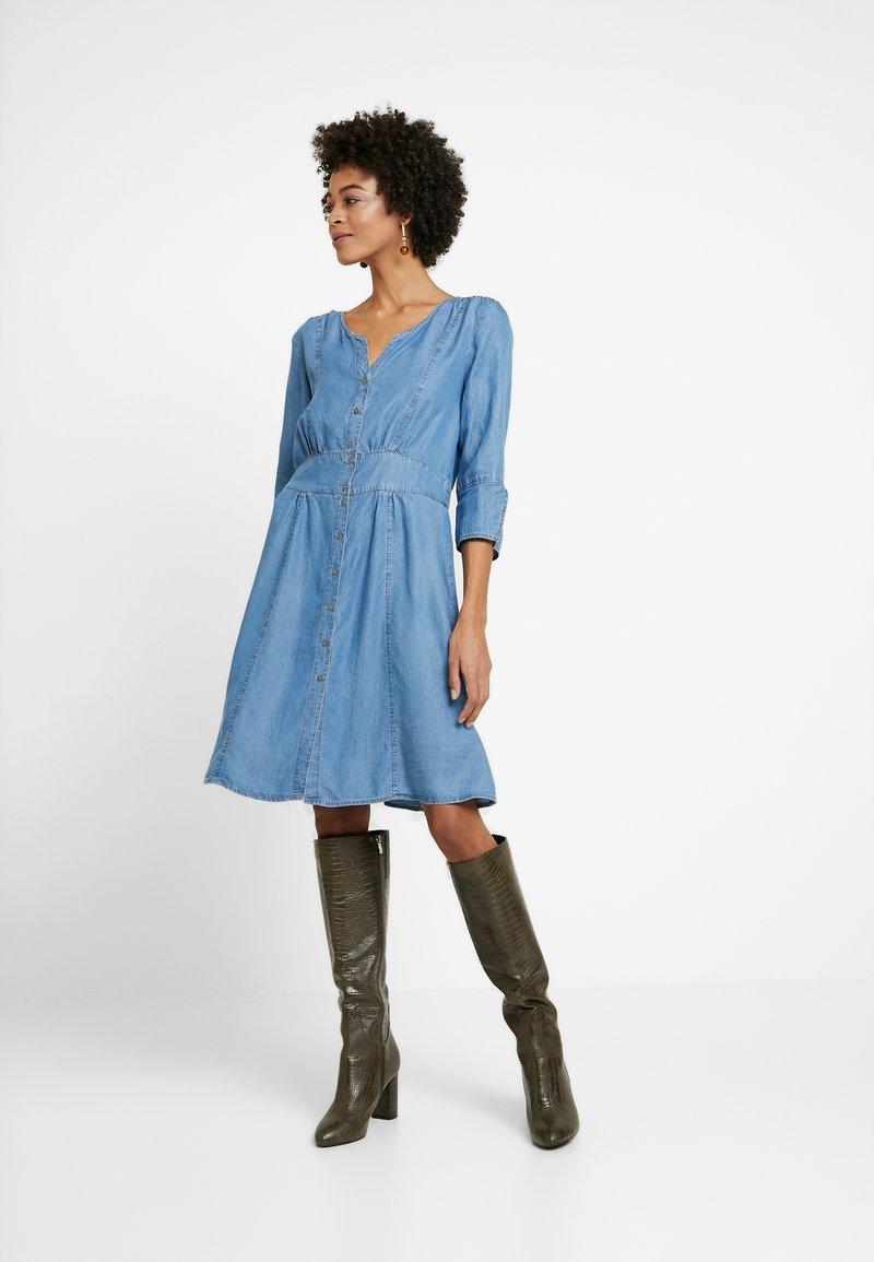 Cream - BALICE DRESS - Dongerikjole - blue denim