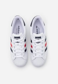 adidas Originals - SUPERSTAR SPORTS INSPIRED SHOES - Baskets basses - footwear white/scarlet