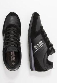 Versace Jeans Couture - LINEA FONDO RUNNING - Matalavartiset tennarit - black - 1