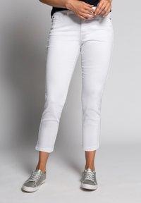 GINA LAURA - Trousers - weiß - 0