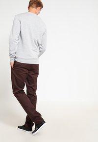Dickies - 872 SLIM FIT WORK PANT - Chinot - chocolate brown - 2