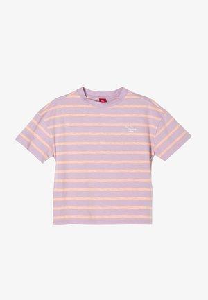 T-shirt print - purple stripes