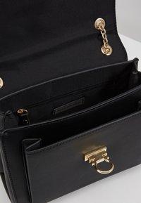 Forever New - ANGELA FLIP LOCK SHOULDER BAG - Across body bag - black - 4