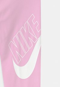 Nike Sportswear - FAVORITES - Legging - light arctic pink/white - 2