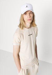 Sixth June - STRIPES SPORT TEE - Print T-shirt - beige - 3