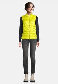 Betty Barclay - Down jacket - neon yellow - 1