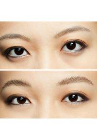MAC - EYE BROWS BIG BOOST - Eyebrow gel - fling - 3