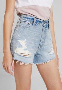 Abercrombie & Fitch - LIGHT DESTROY CUFF HIGH RISE - Jeans Shorts - stone blue denim - 5