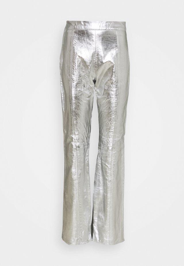 TAILOR PANT - Kožené kalhoty - silver