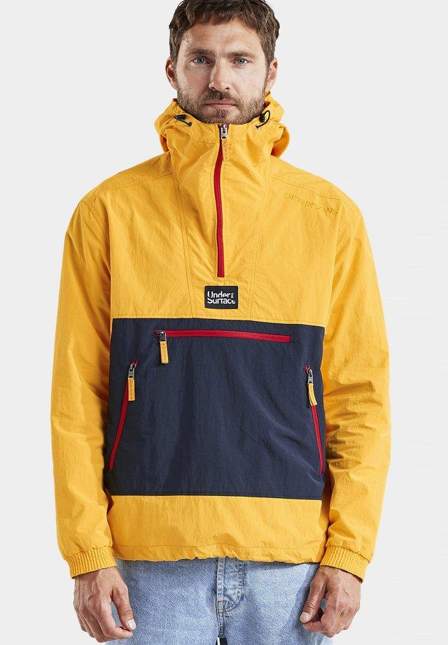 ANORAK VILMER  - Outdoorjas - saffron yellow