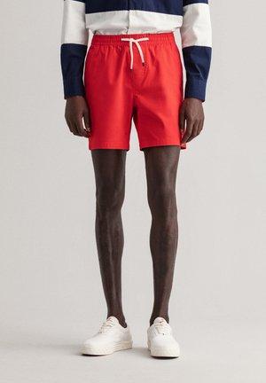 RETRO SHIELD - Shorts - bright red