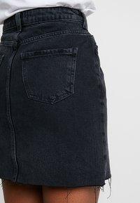 New Look - MOM SKIRT - Denim skirt - black - 6