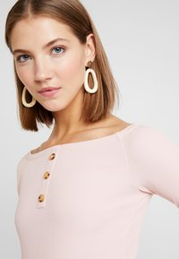 Ivyrevel - OFF SHOULDER - Long sleeved top - blush - 4