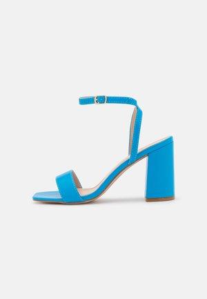 ELLIOT - Sandalias - blue