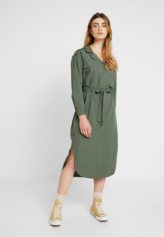 LOTTE DRESS - Abito a camicia - thyme