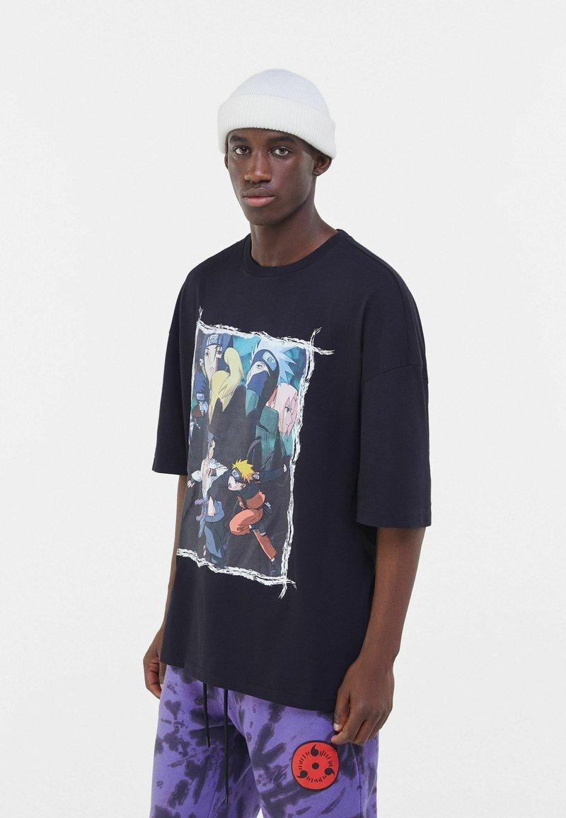 Bershka - NARUTO  - T-shirt med print - black
