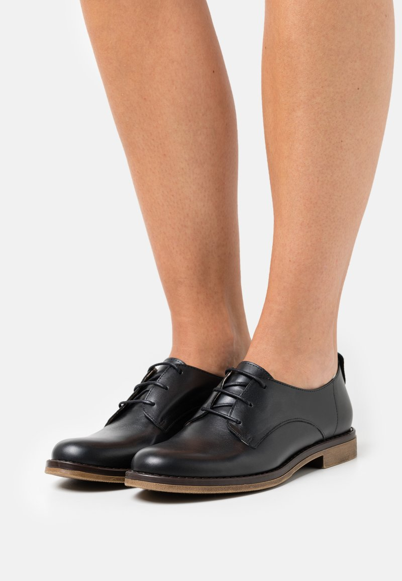 San Marina - MASSILIA - Šněrovací boty - noir