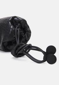 MM6 Maison Margiela - BORSA TRACOLLA - Across body bag - black - 4