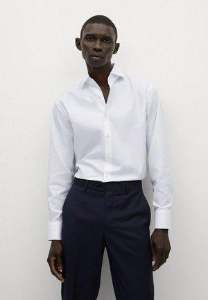 ALFRED - Formal shirt - weiß
