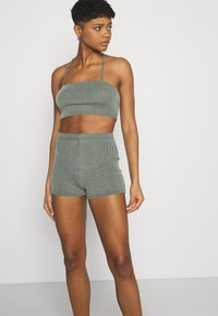 Missguided - TWO TONE CROSS BACK STRAP CYCLING SET - Shorts - mint - 3