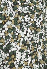 Pieces - PCFRIDINEN DRESS - Shirt dress - jadeite - 5