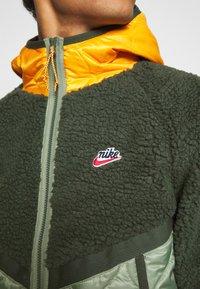 Nike Sportswear - WINTER - Winter jacket - vintage green/spiral sage/kumquat - 6