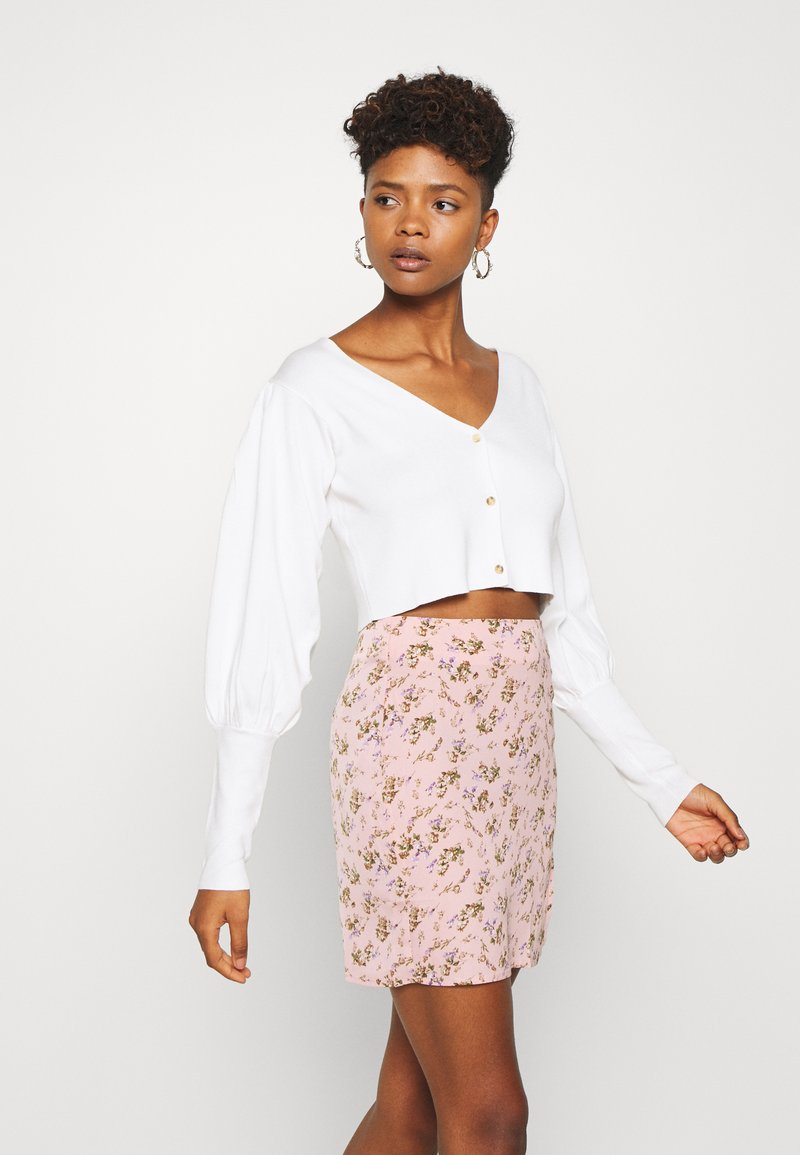 Missguided - BALLOON SLEEVE CROPPED CARDIGAN - Cardigan - white