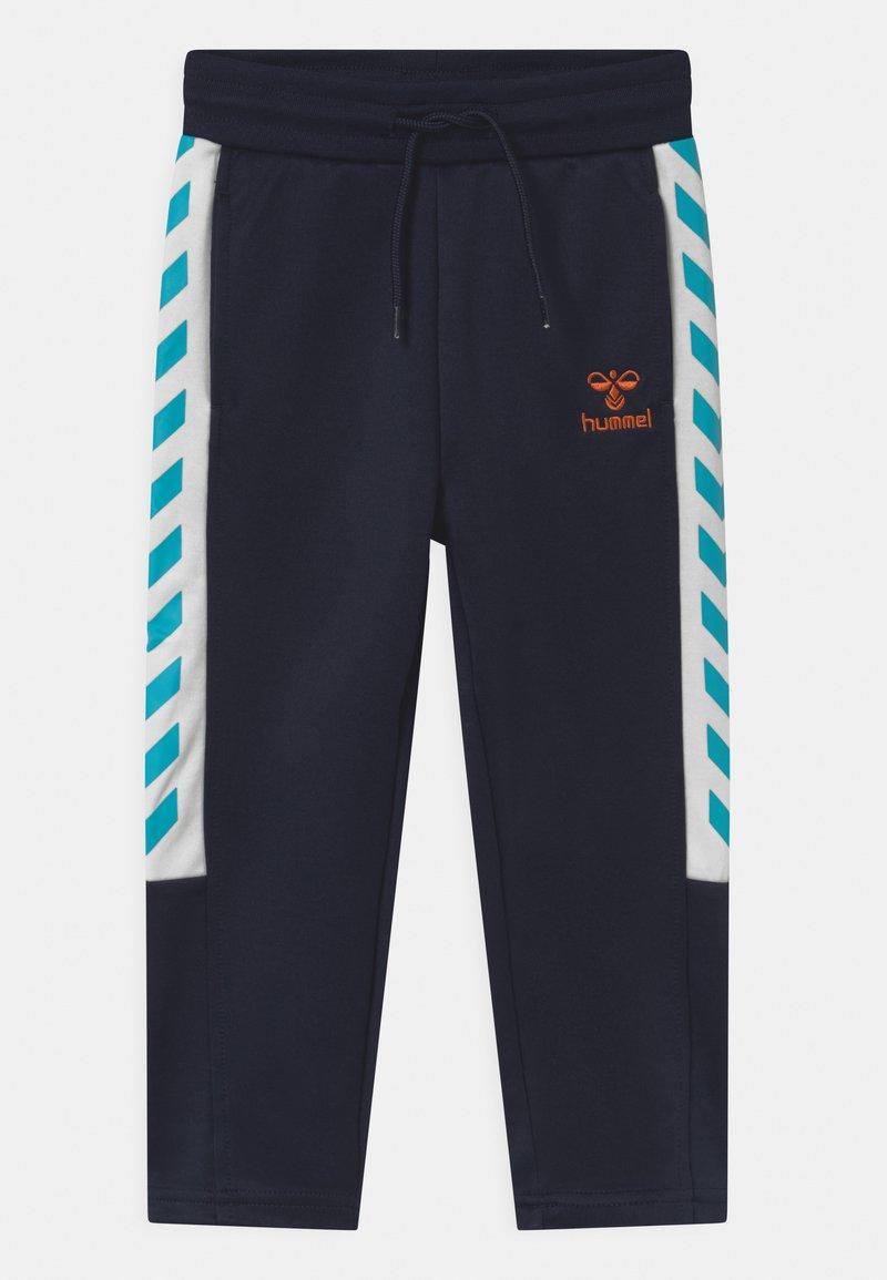 Hummel - DENNIS  UNISEX - Jogginghose - dark blue/white