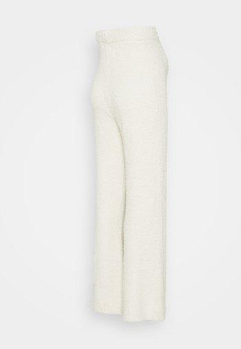 POPCORN WIDE LEG TROUSER - Trousers - cream